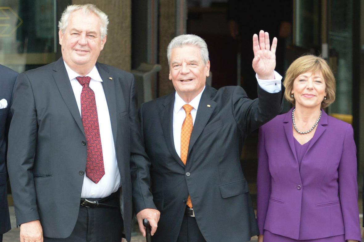 Miloš Zeman a Joachim Gauck během oslav v Lipsku