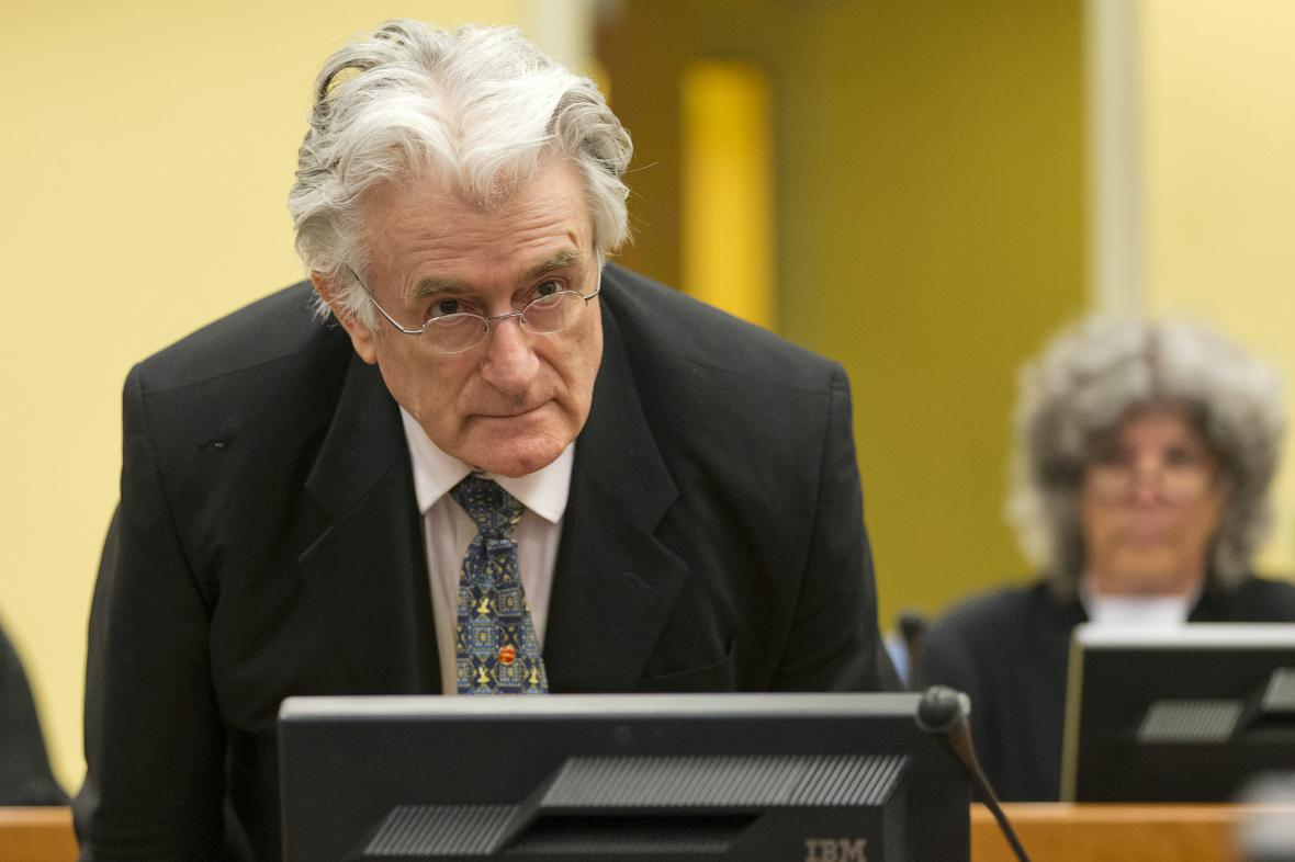 Radovan Karadžić před soudem v Haagu
