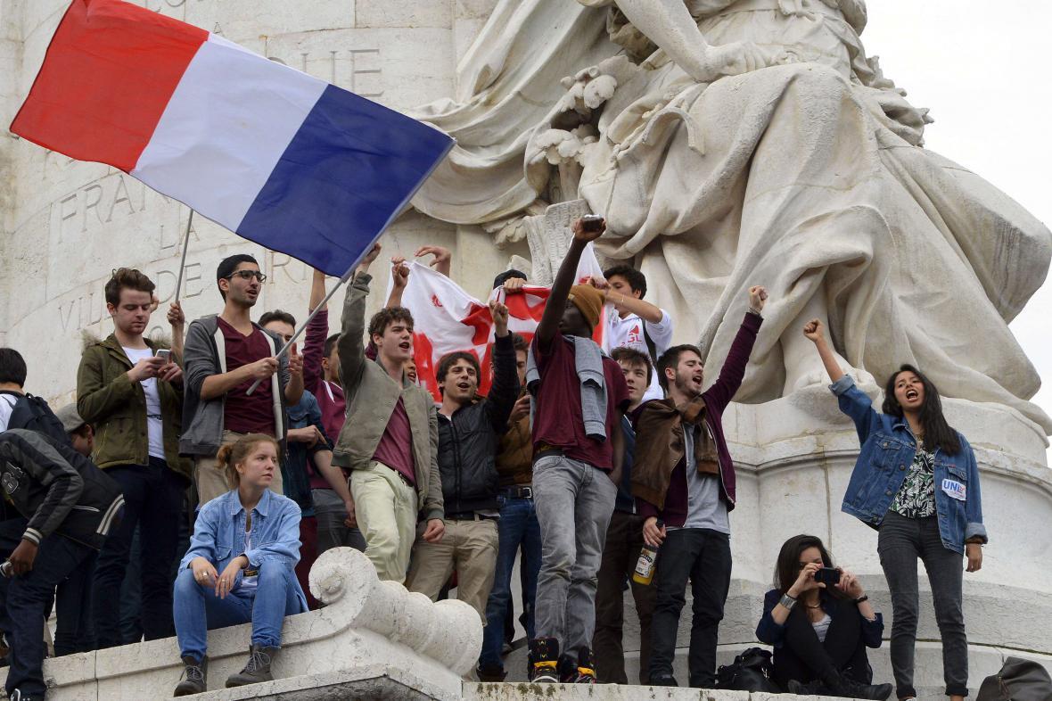 Demonstrace v Paříži proti Národní frontě