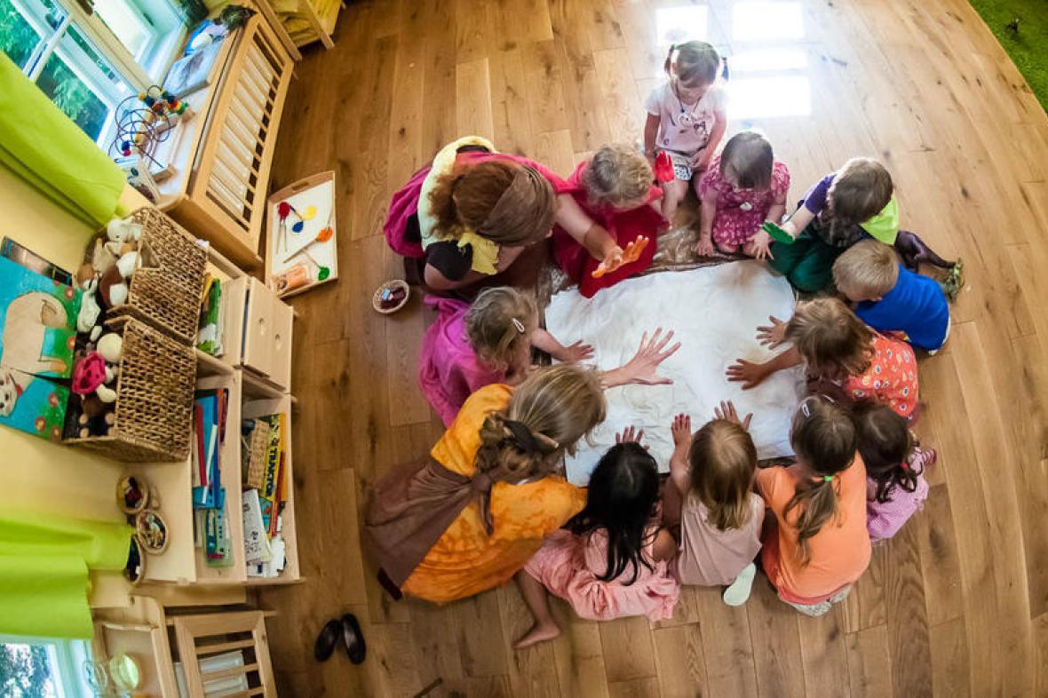 Děti v mateřské školce Rybička