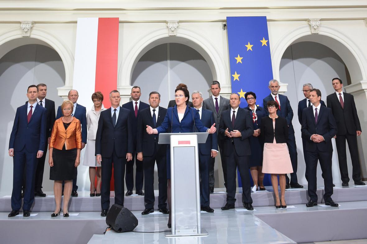 Ewa Kopaczová představila nový kabinet