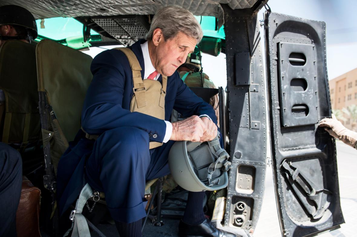 John Kerry nečekaně navštívil Irák