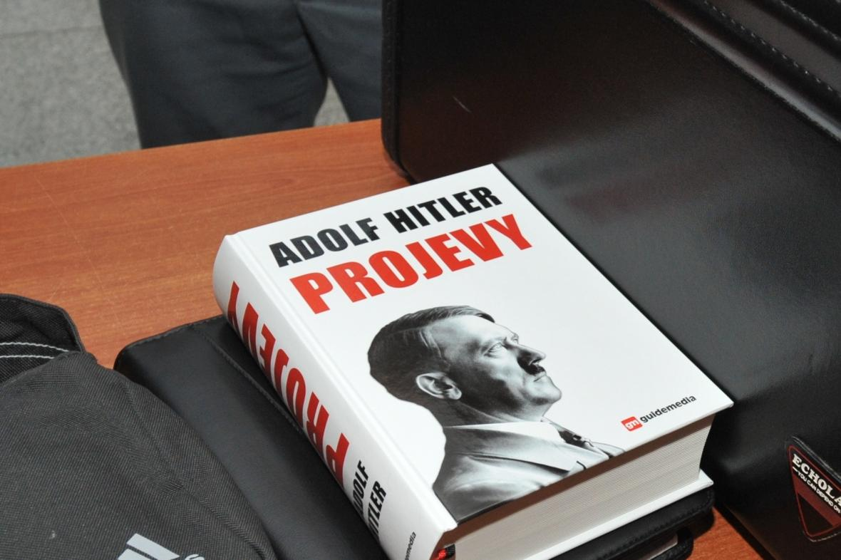 Sporná kniha Adolf Hitler: Projevy