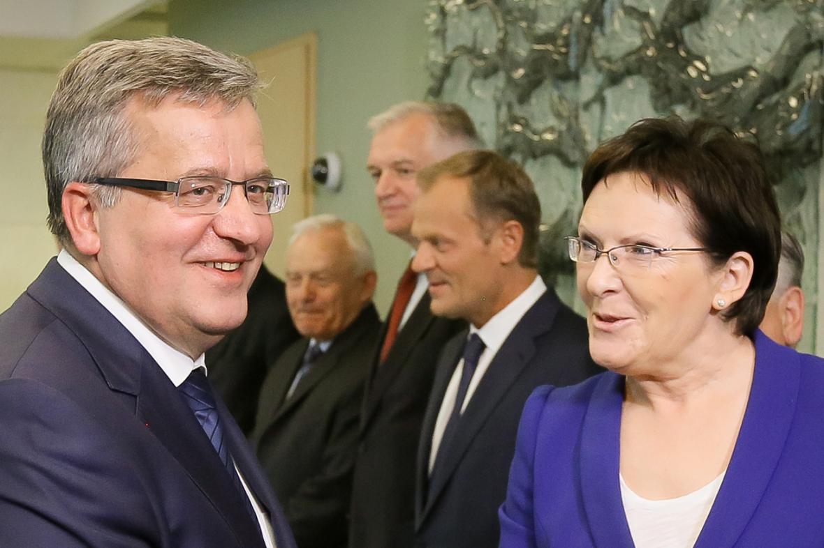 Bronisław Komorowski, Donald Tusk a Ewa Kopaczowá