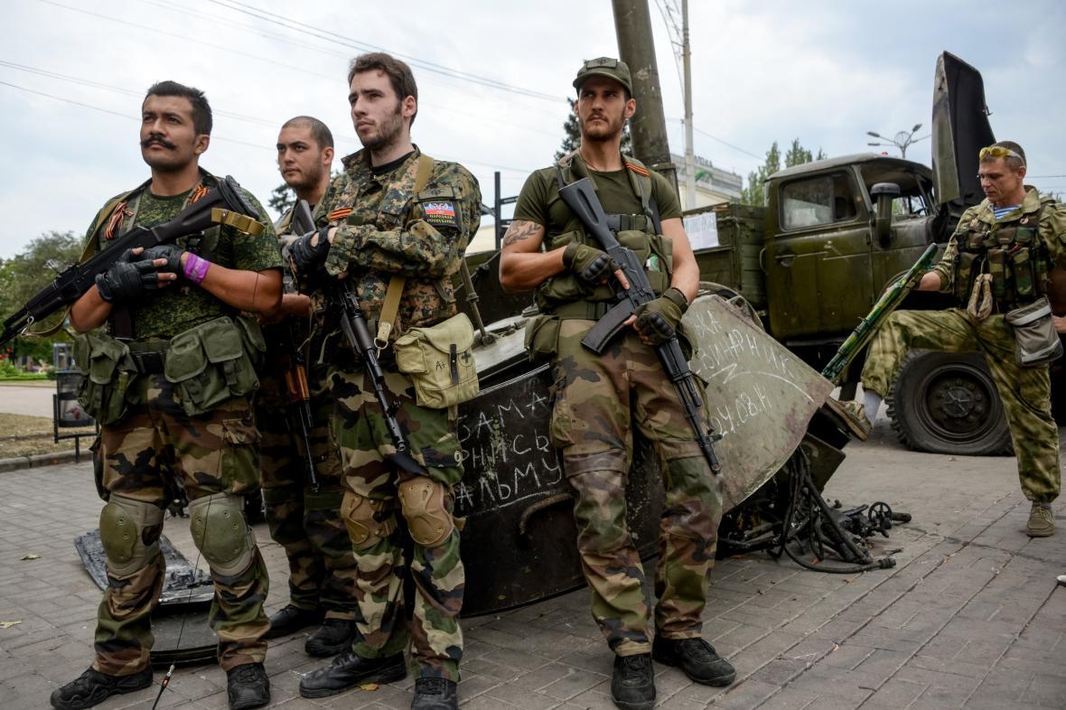 Francouzští bojovníci v řadách proruských rebelů