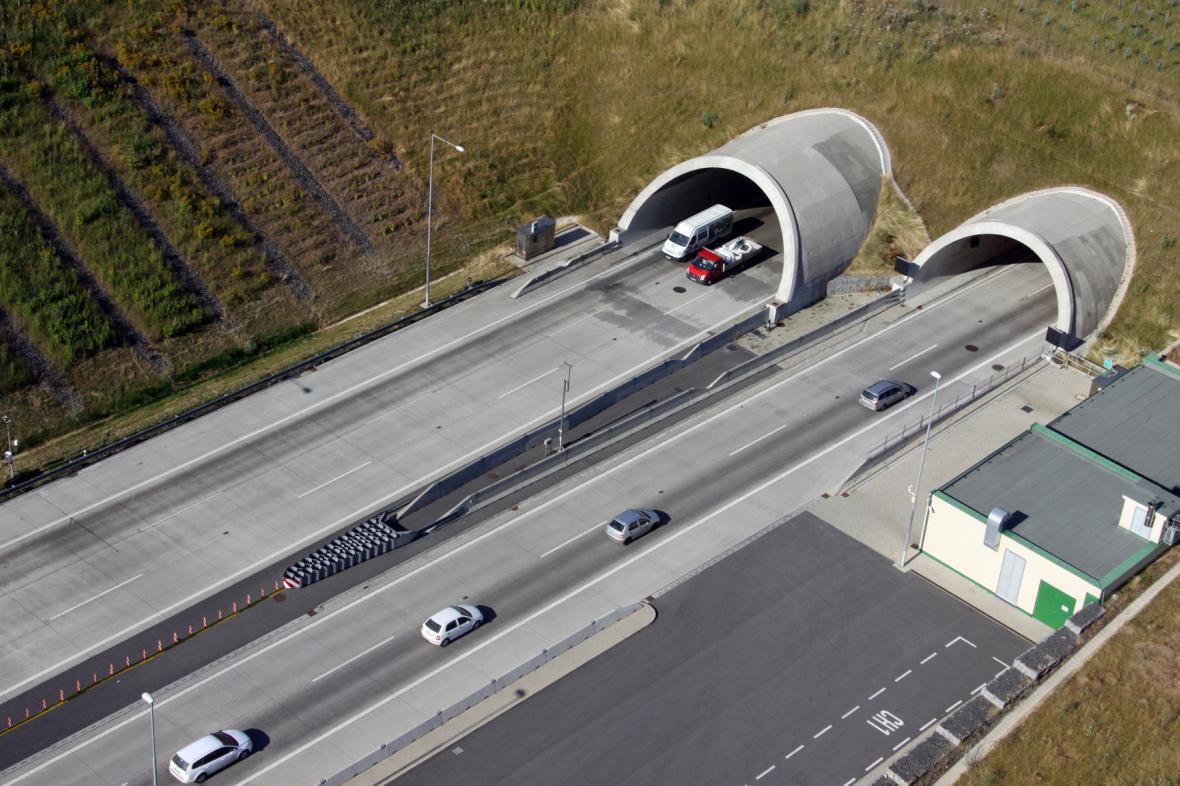 Komořanský tunel