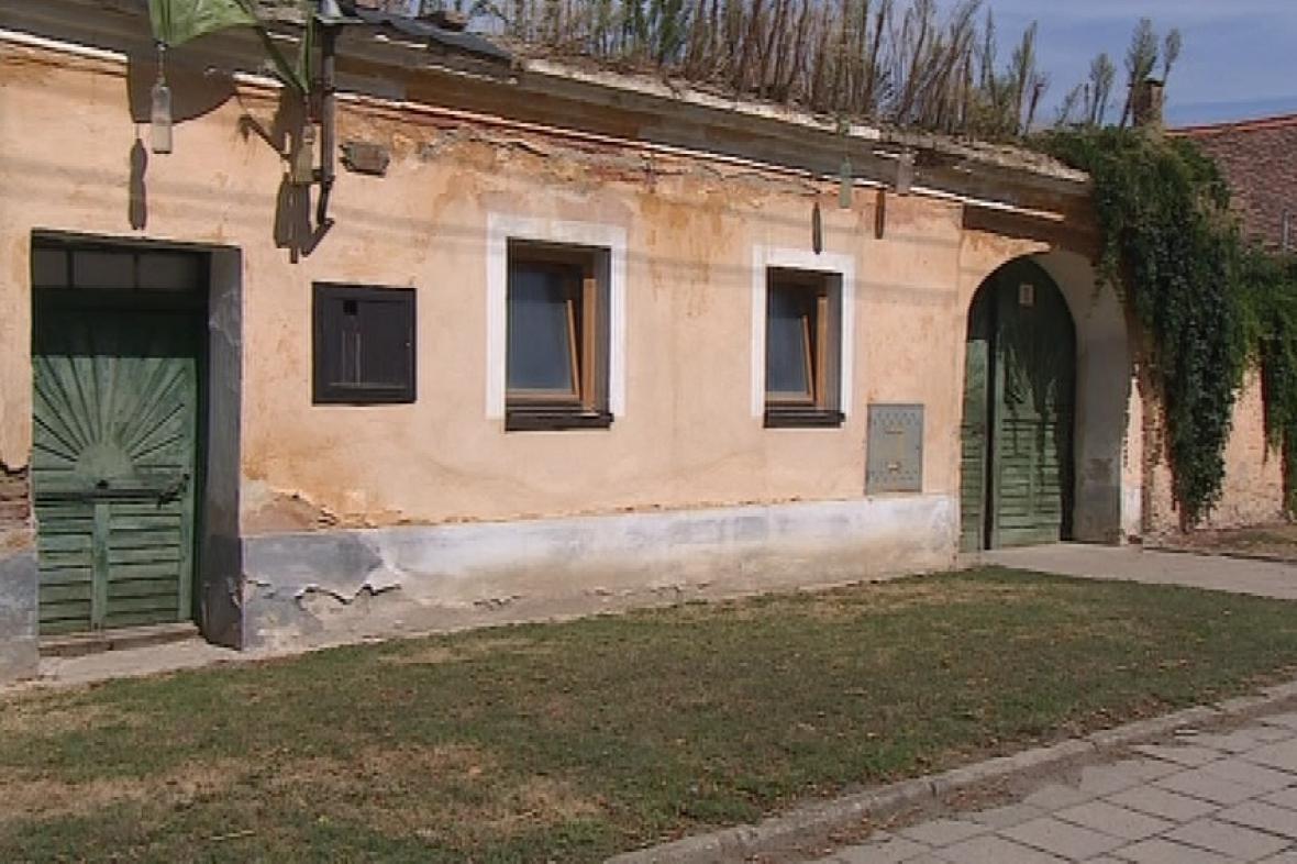 Podle památkářů by šel dům ještě zachránit