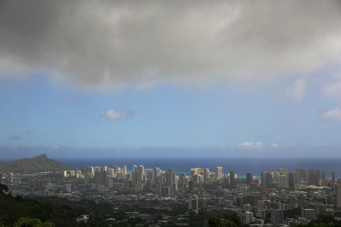 Zlověstné mraky nad Honolulu