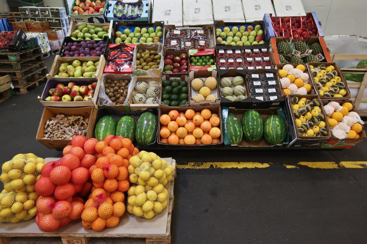 V Rusku má na celý rok zákaz například ovoce z EU