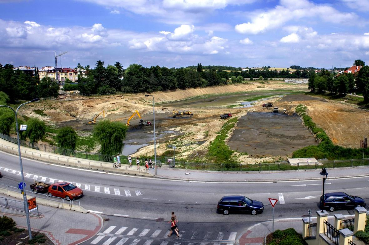 Odbahňování rybníka Jordán