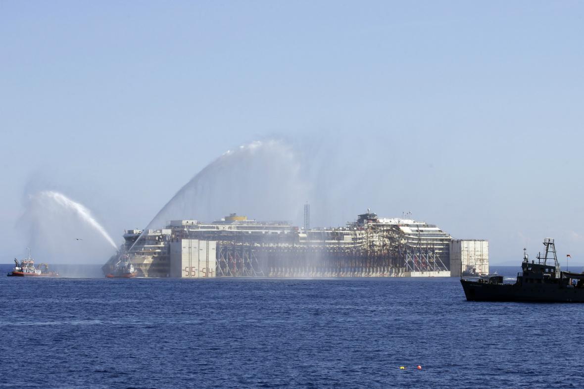 Costa Concordia vyrazila do Janova