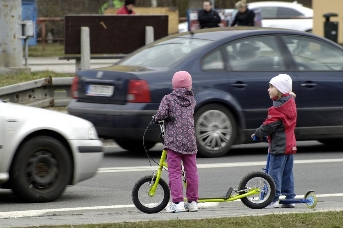 Děti u silnice