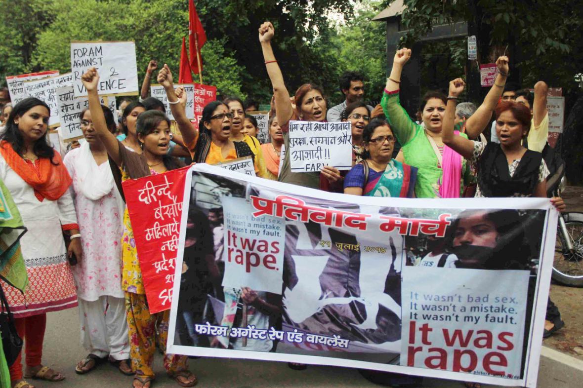Indky demonstrují proti násilí na ženách