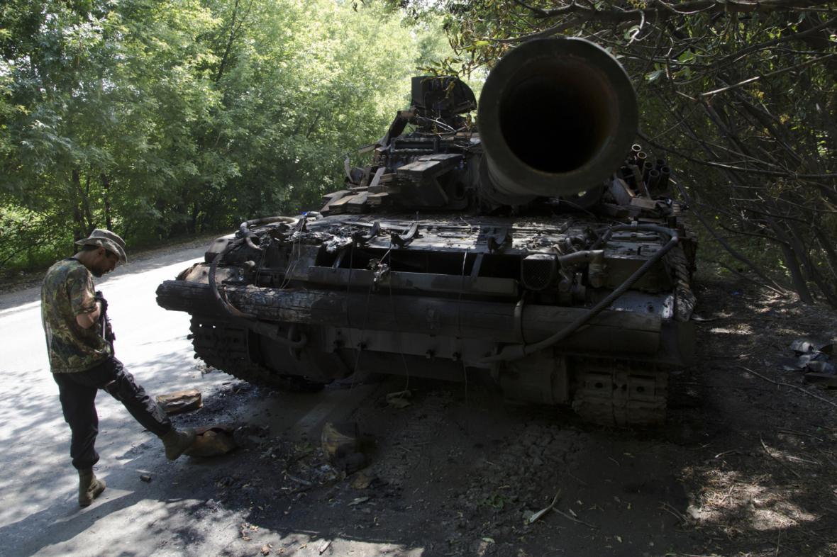 Boje u Doněcku: Proruští separatisté zničili ukrajinský tank