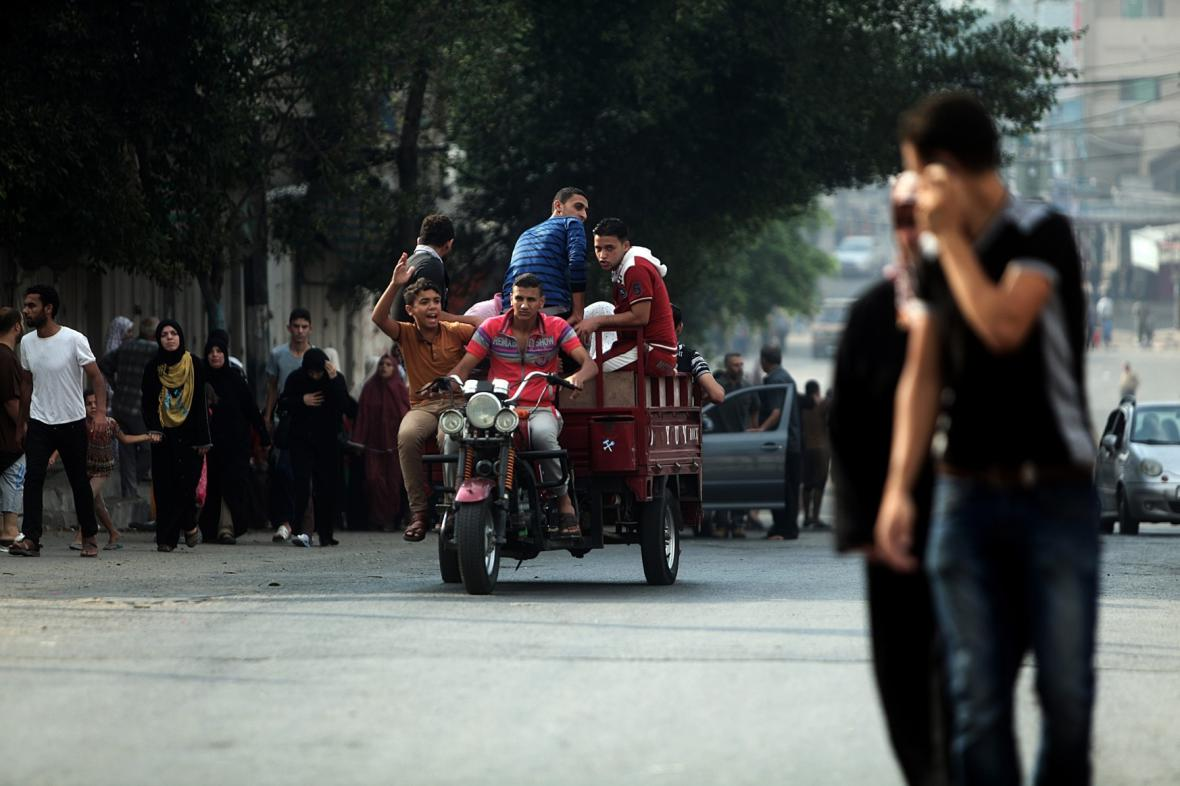 Palestinci prchající z Gazy