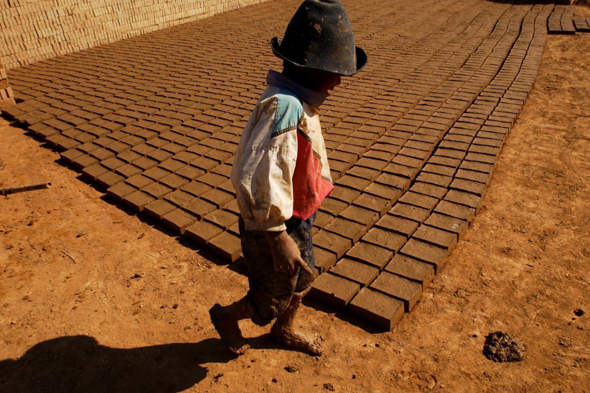 Bolívie zlegalizovala práci dětí od 10 let