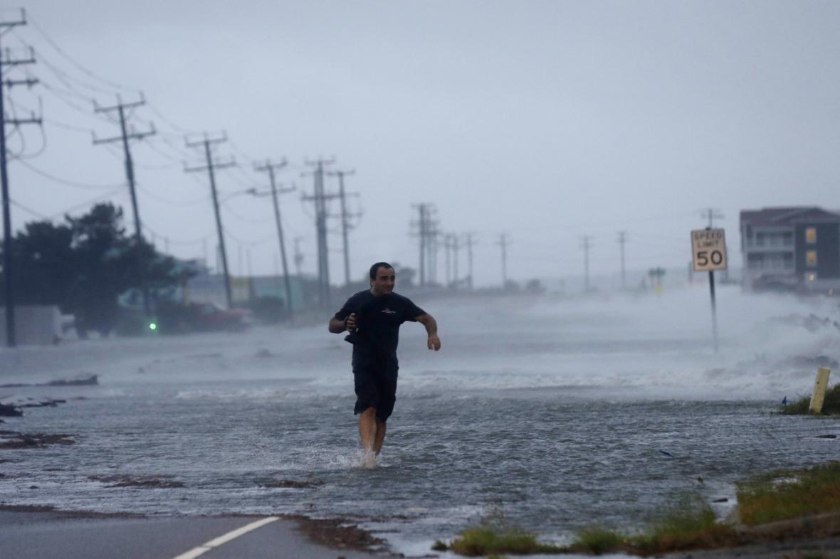 Následky hurikánu Arthur na východním pobřeží USA