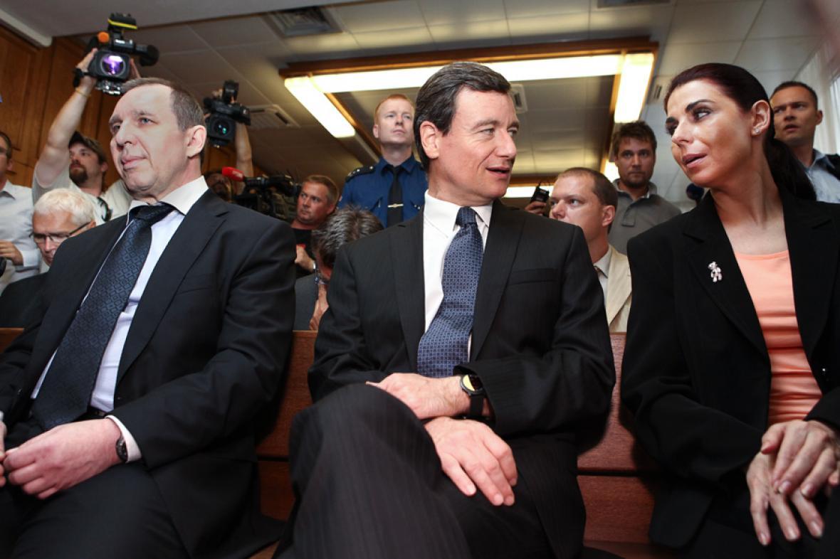 Petr Kott, David Rath a Kateřina Pancová před Krajským soudem v Praze