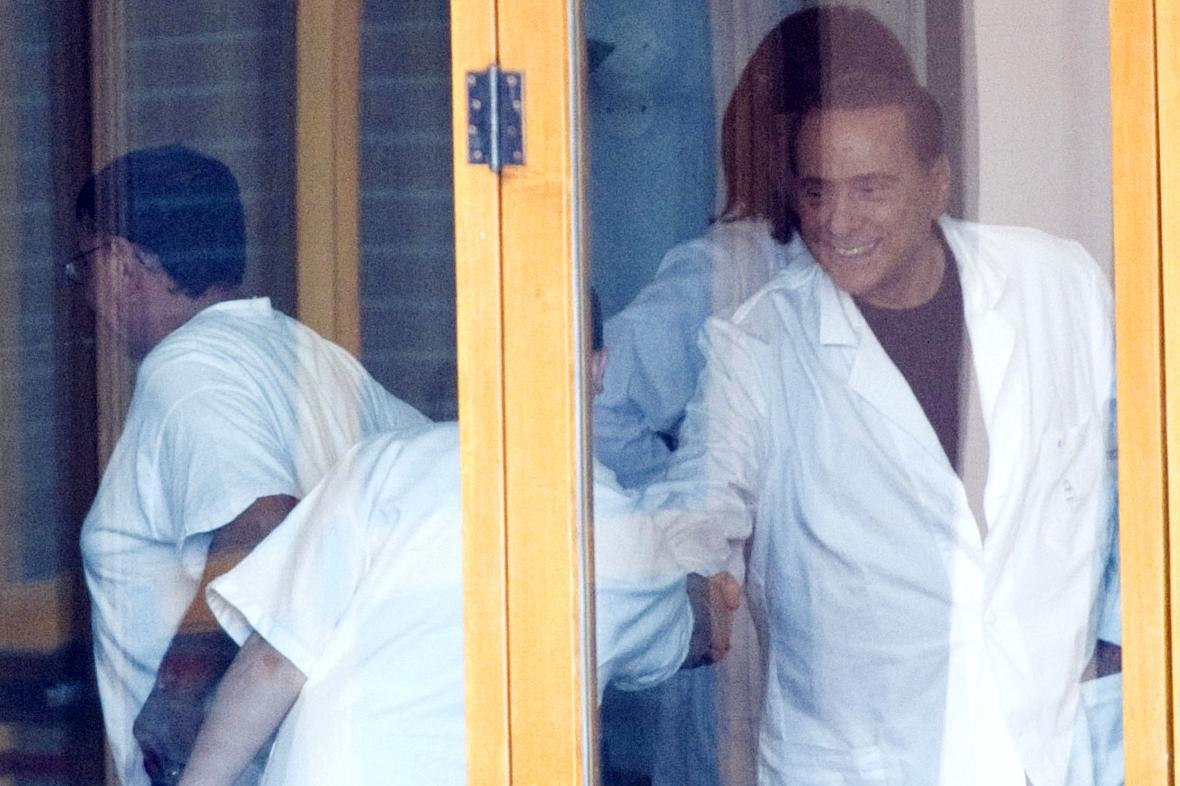 Silvio Berlusconi se stará o pacienty