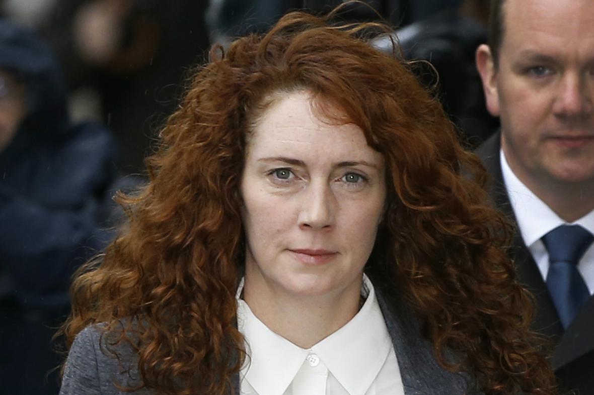 Rebekah Brooksová míří k soudu
