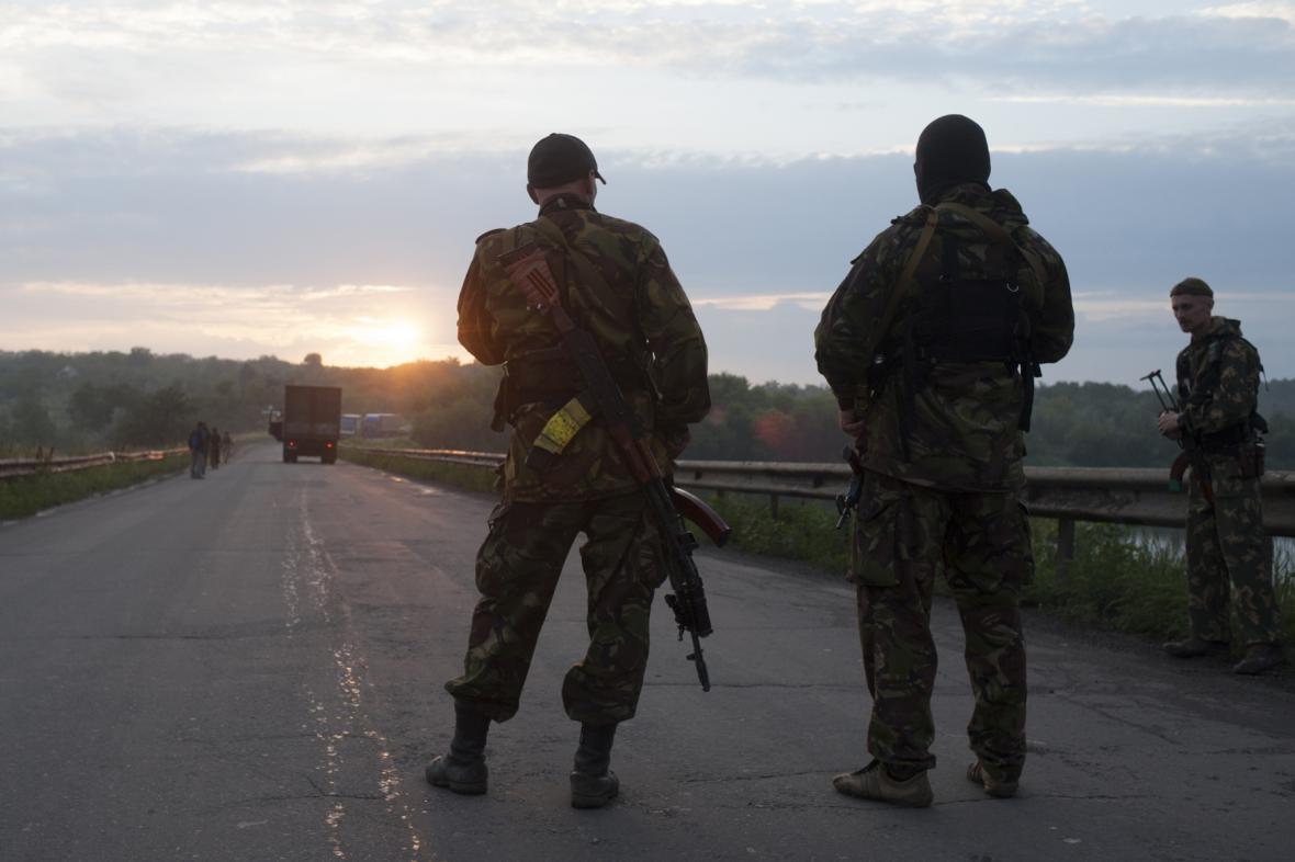 Boje na Ukrajině - proruští separatisté u Doněcku