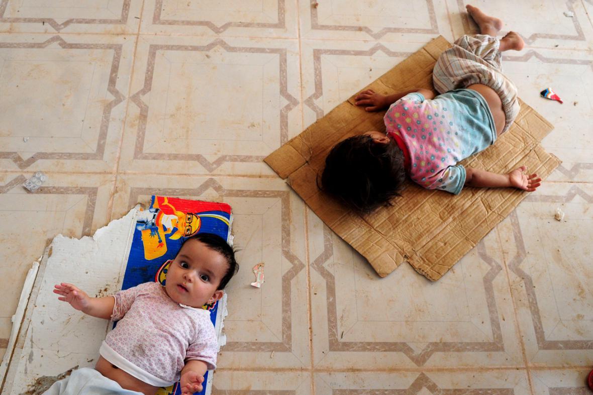 Děti v uprchlickém táboře nedaleko iráckého Mosulu