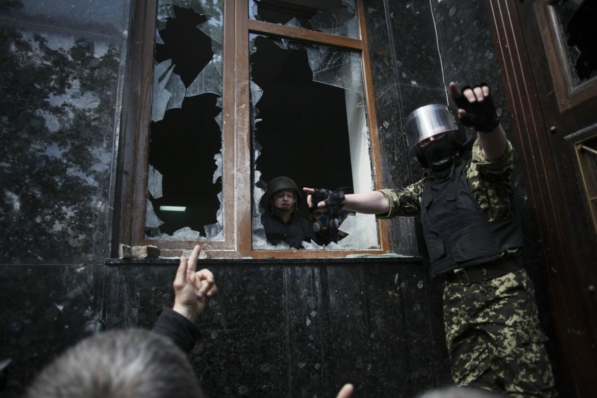 Separatisté v Doněcku