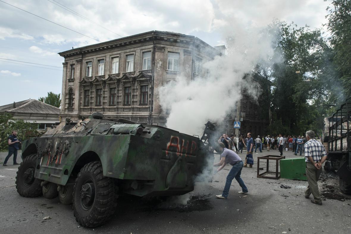 Ukrajinské síly znovu převzaly moc v Mariupolu
