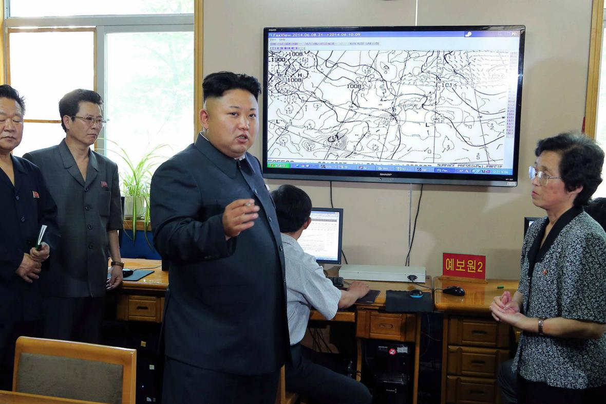 Kim Čong-un na inspekci v hydrometeorologickém ústavu