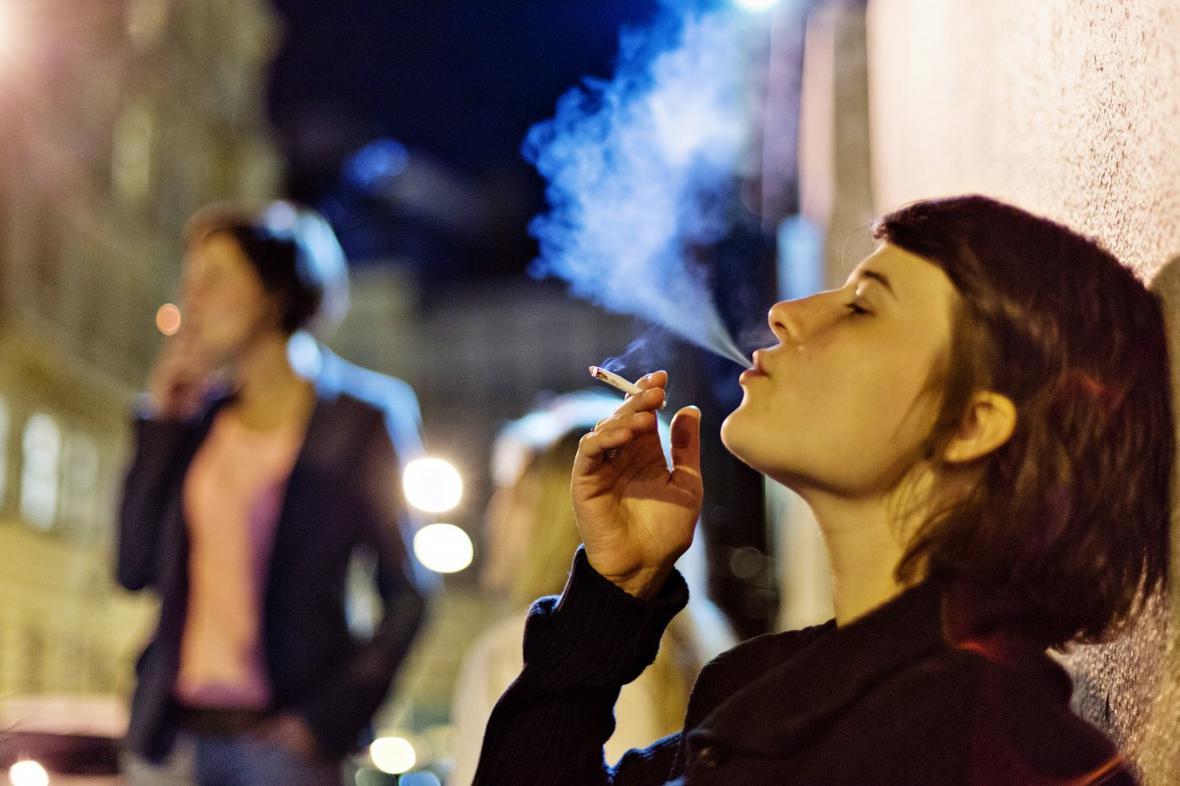 ženy na kouření