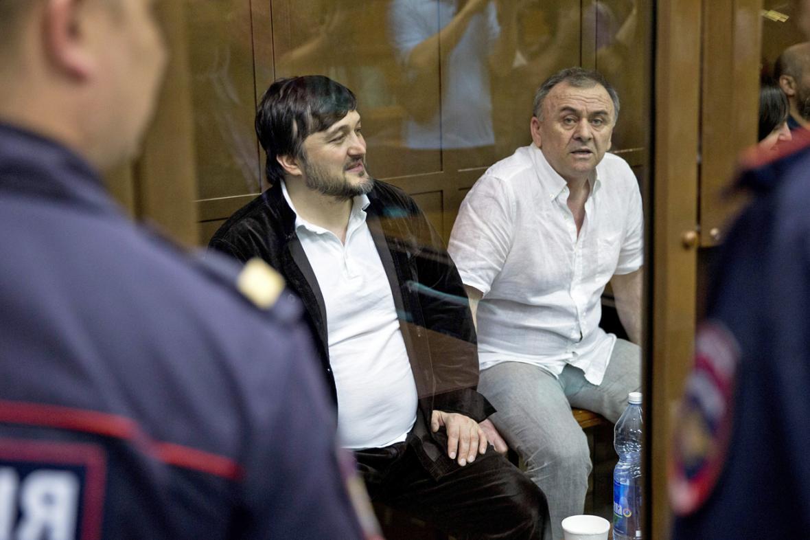 Lom-Ali Gajtukajev a Rustam Machmudov u soudu