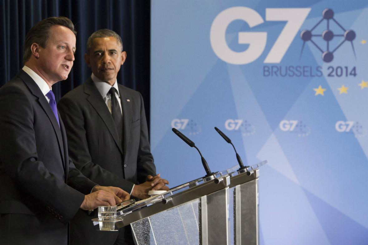 Cameron a Obama na brífinku po summitu G7