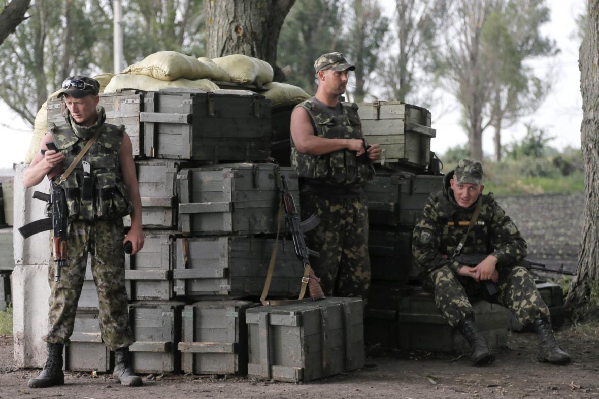 Ukrajinští vojáci u Slavjansku