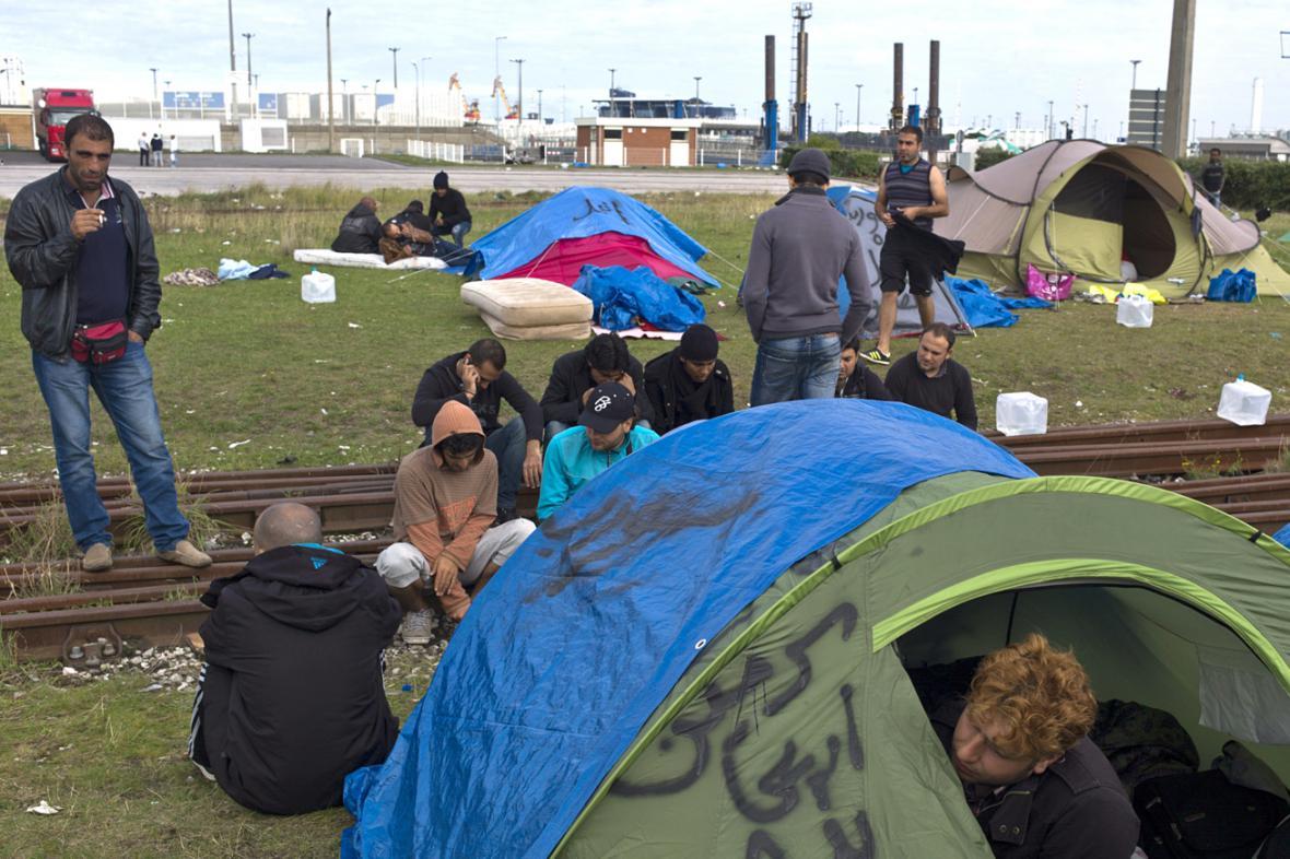 Imigranti v Calais
