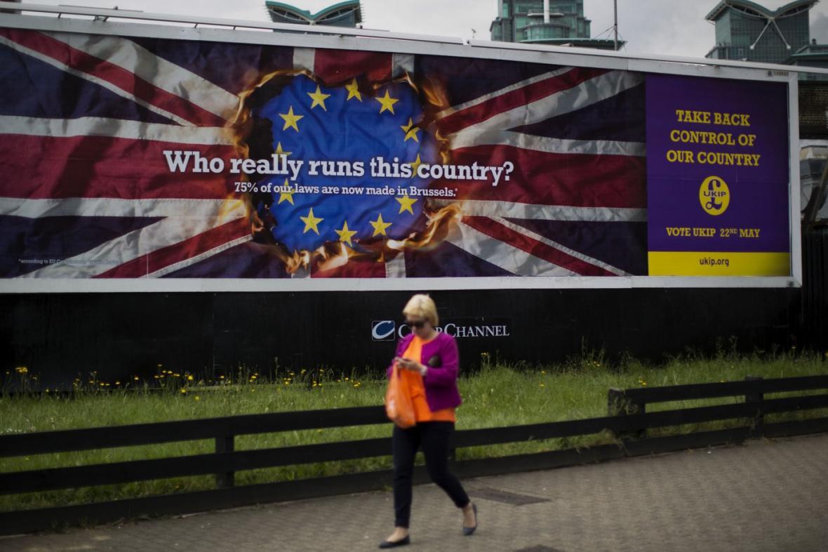 Plakát britské strany UKIP před evropskými volbami