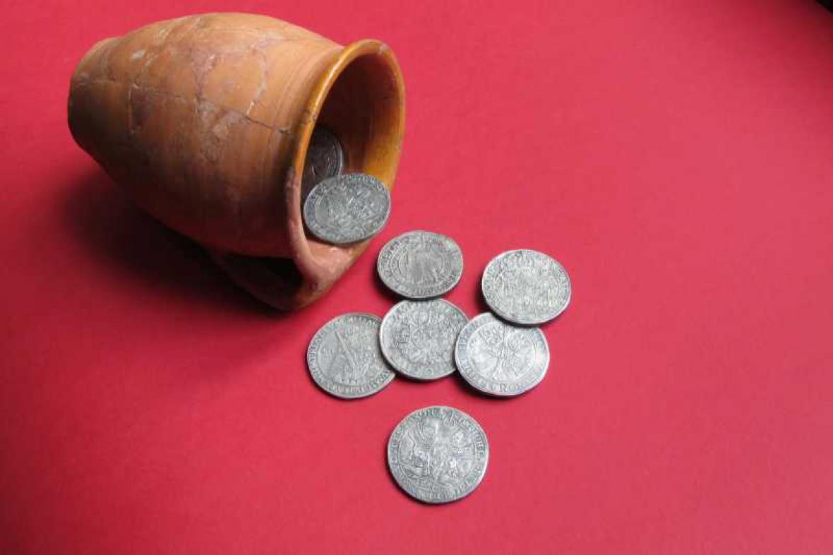 Výstava mincí na zámku Slavkov