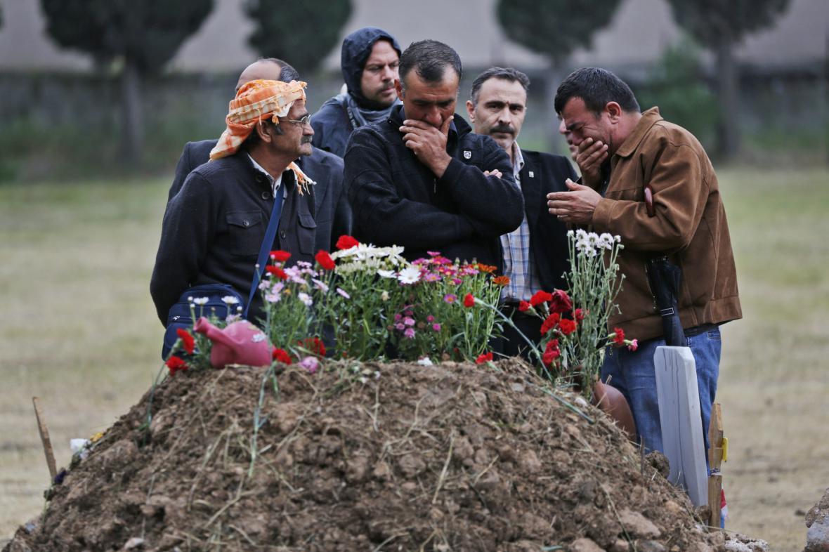 Turecko zasáhla nejhorší důlní tragédie v dějinách