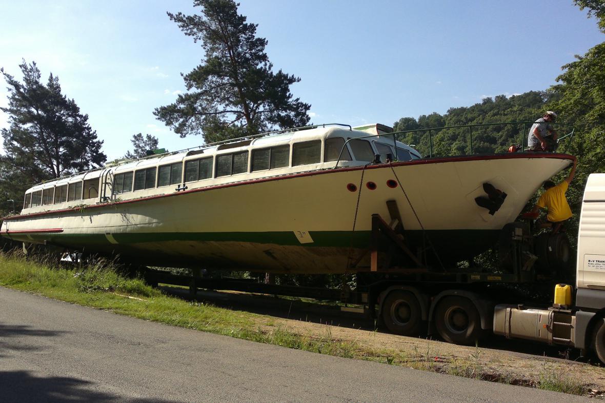 Loď Dyje se po letech vrací na Vranovskou přehradu