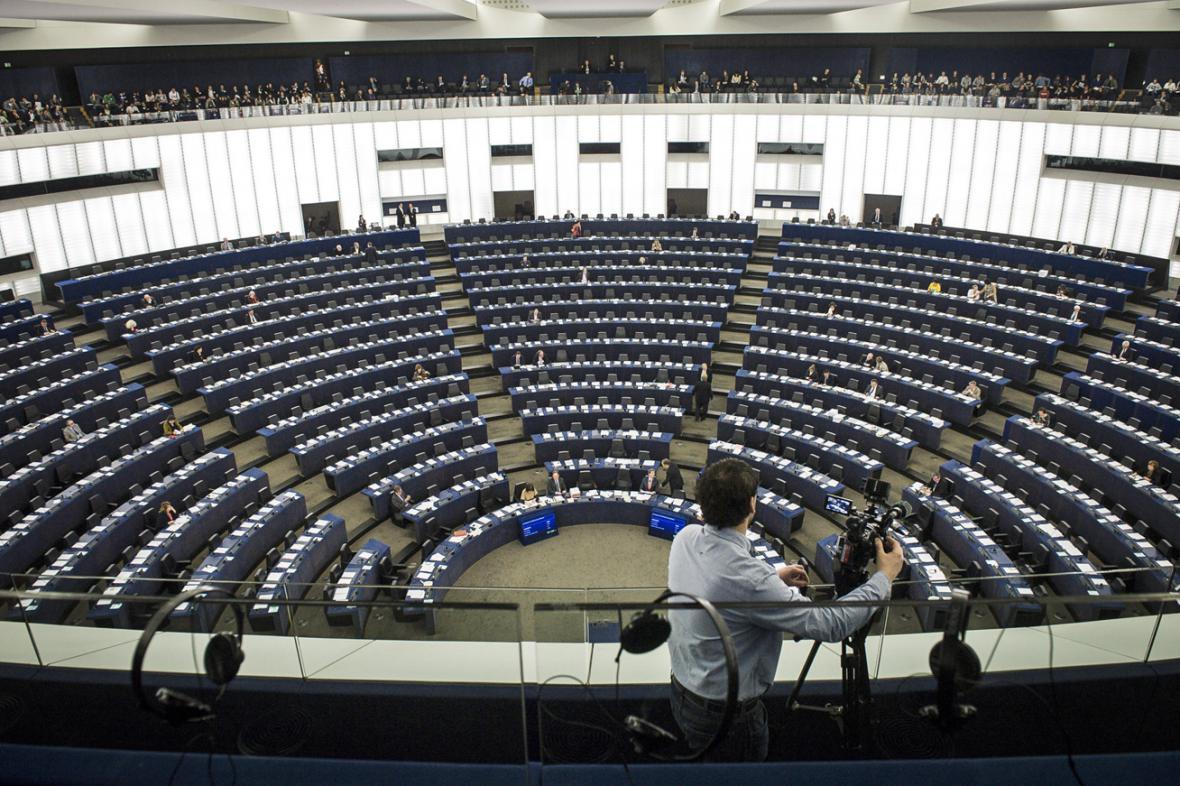 Účast europoslanců ve Štrasburku na debatě o krizi na Ukrajině byla minimální