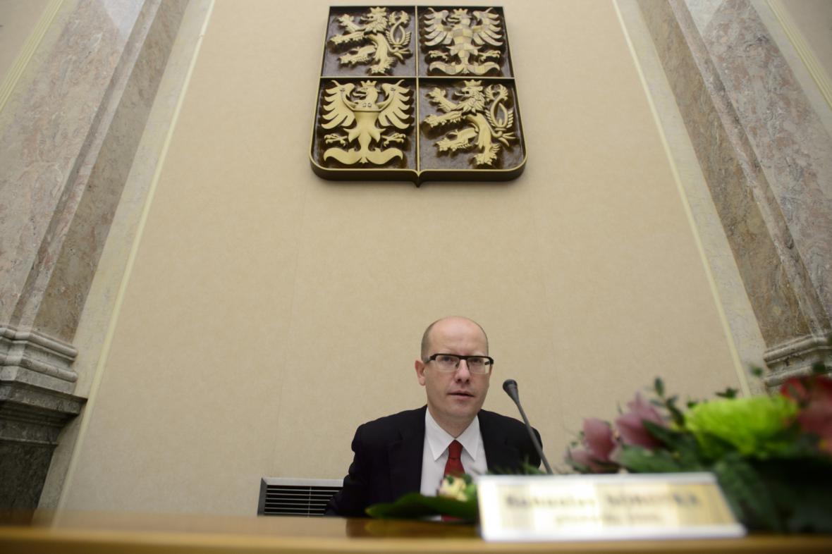 Premiér Bohuslav Sobotka (ČSSD) na prvním jednání nové vlády