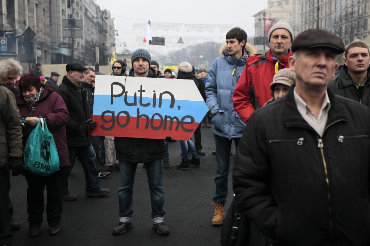 Protesty proti Rusku na Majdanu