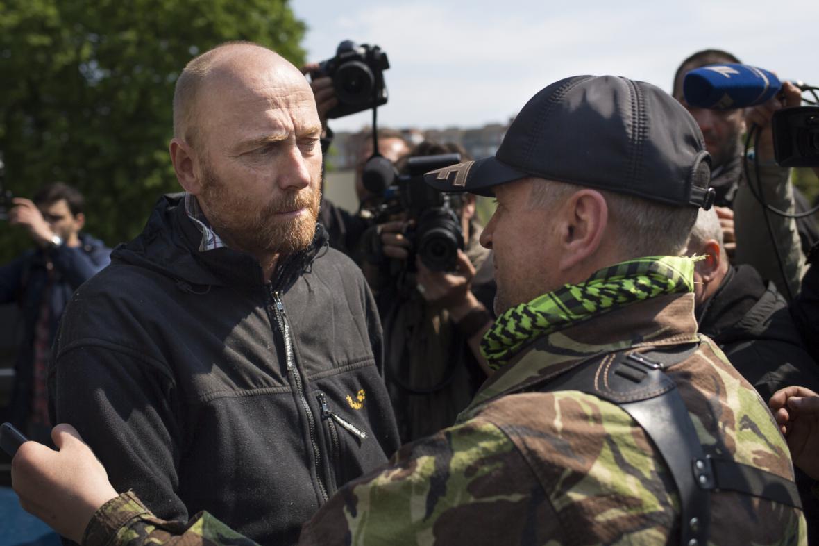 Propuštění vojenských pozorovatelů