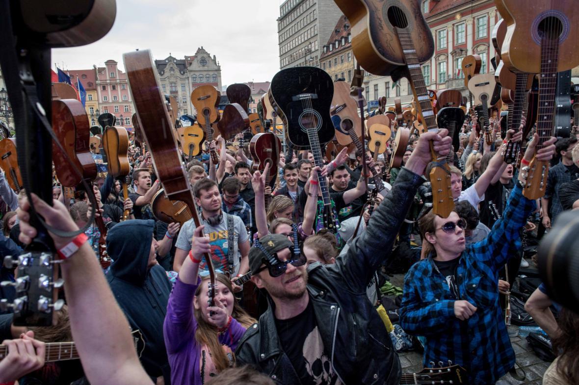 Kytaristé ve Vratislavi se postarali o zápis do Guinessovy knihy rekordů