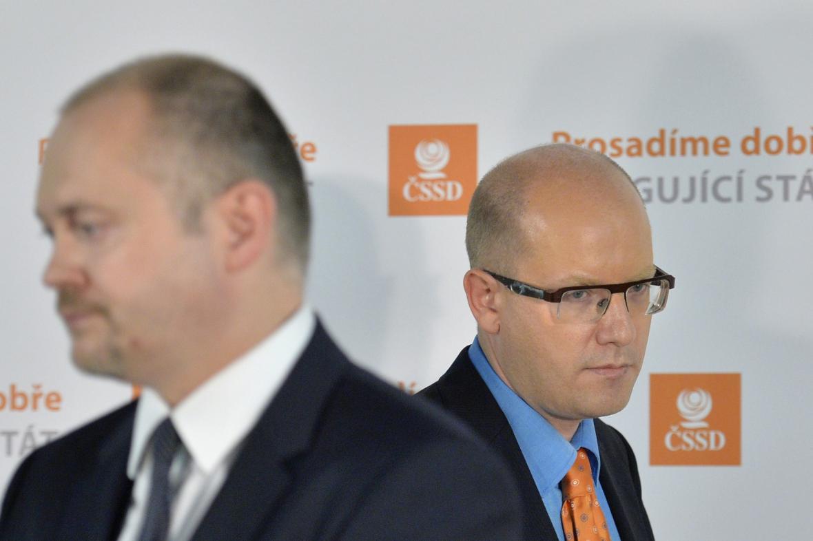 Předseda ČSSD Bohuslav Sobotka s Michalem Haškem