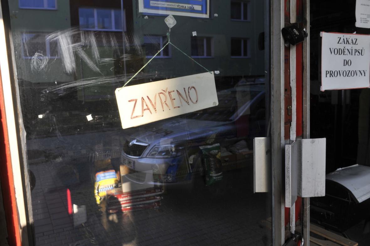 Návrh: O svátcích budou mít obchody nad 200 metrů čtverečních zavřeno