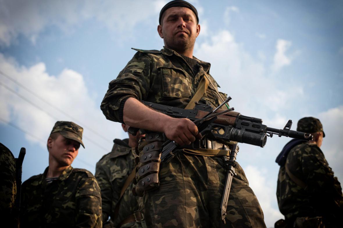 Na východě Ukrajiny zasahuje armáda