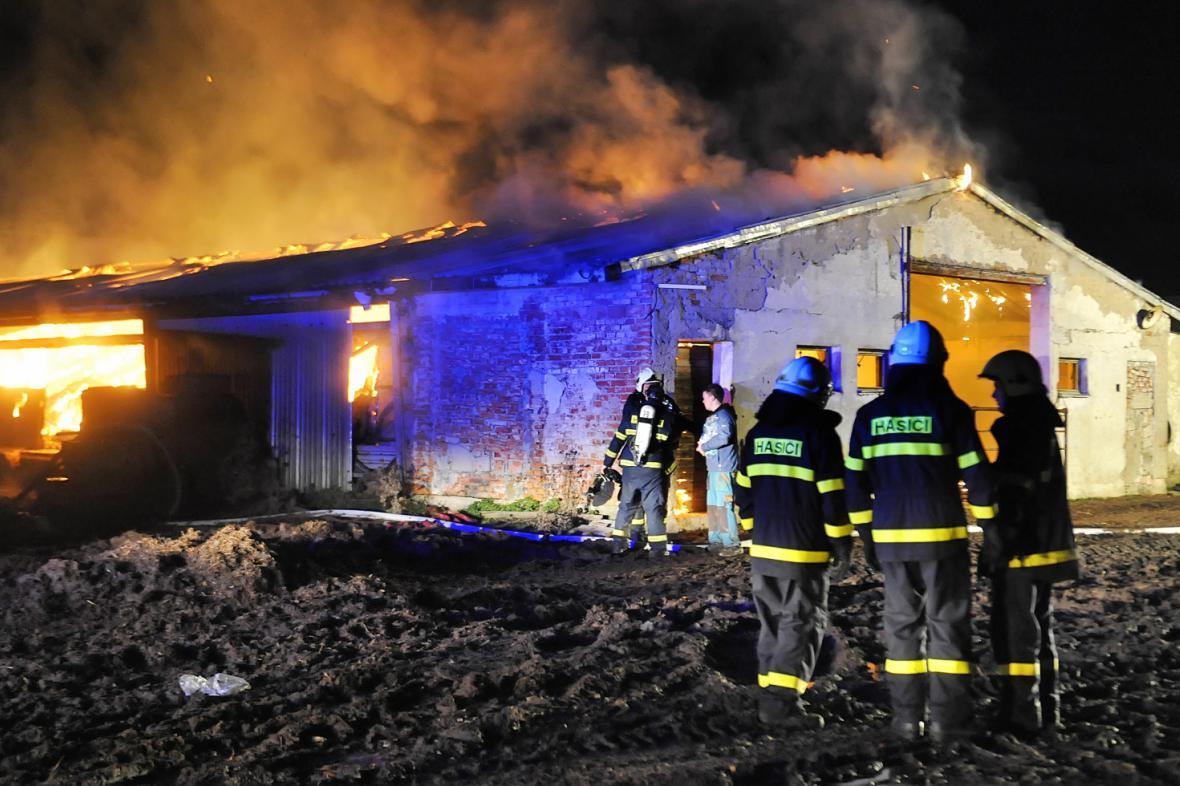 Požár zemědělské haly na Znojemsku