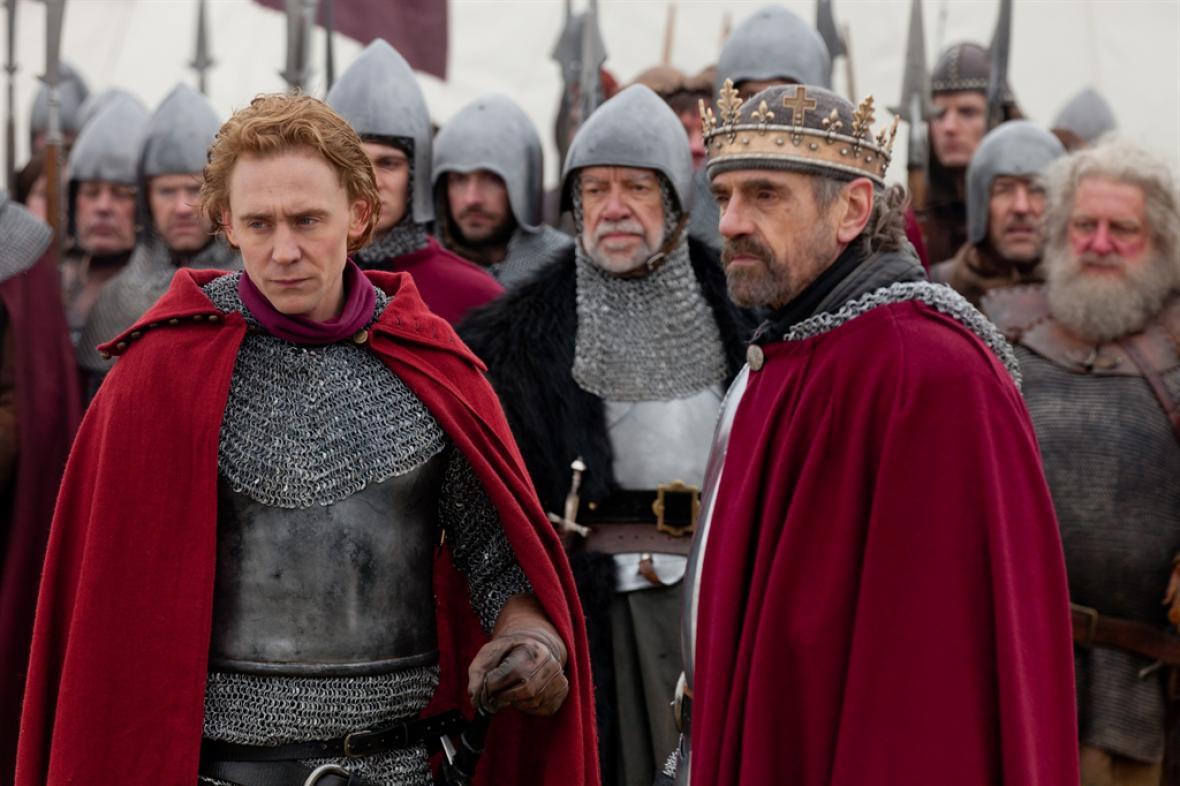 V kruhu koruny / Jindřich IV.