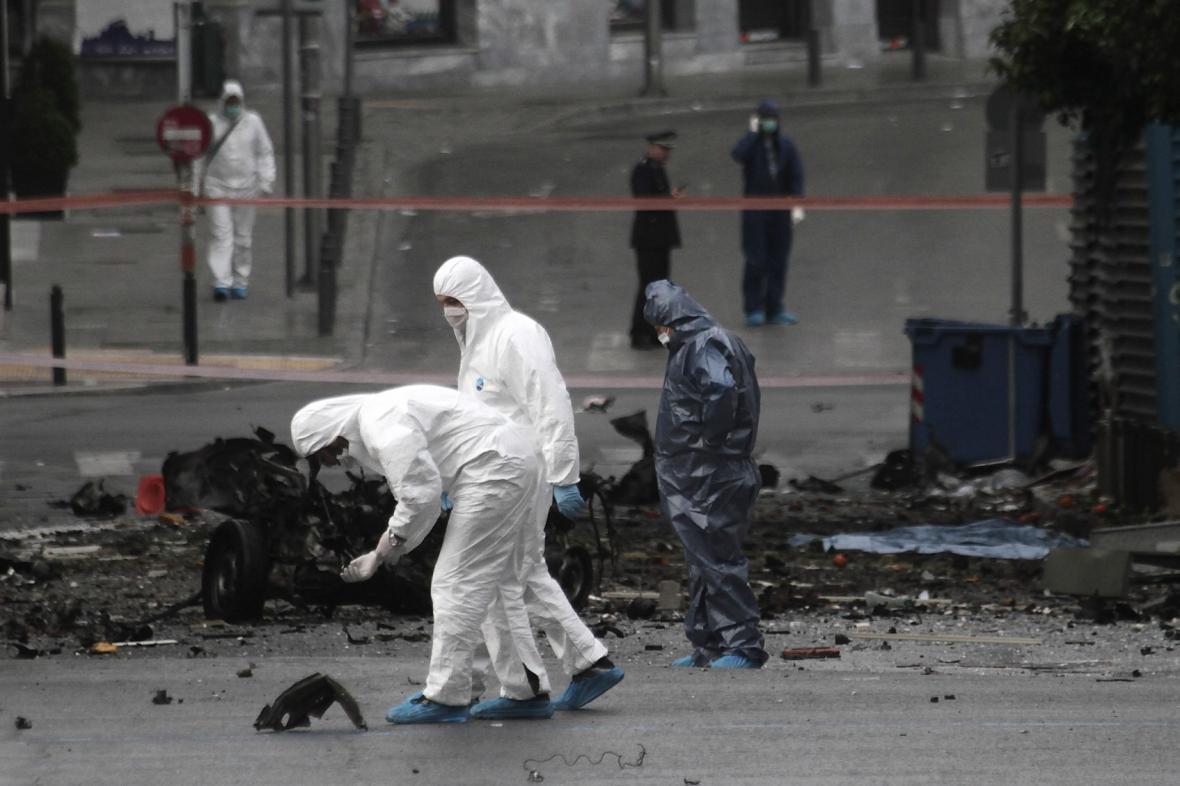 Výbuch před bankou v Aténách