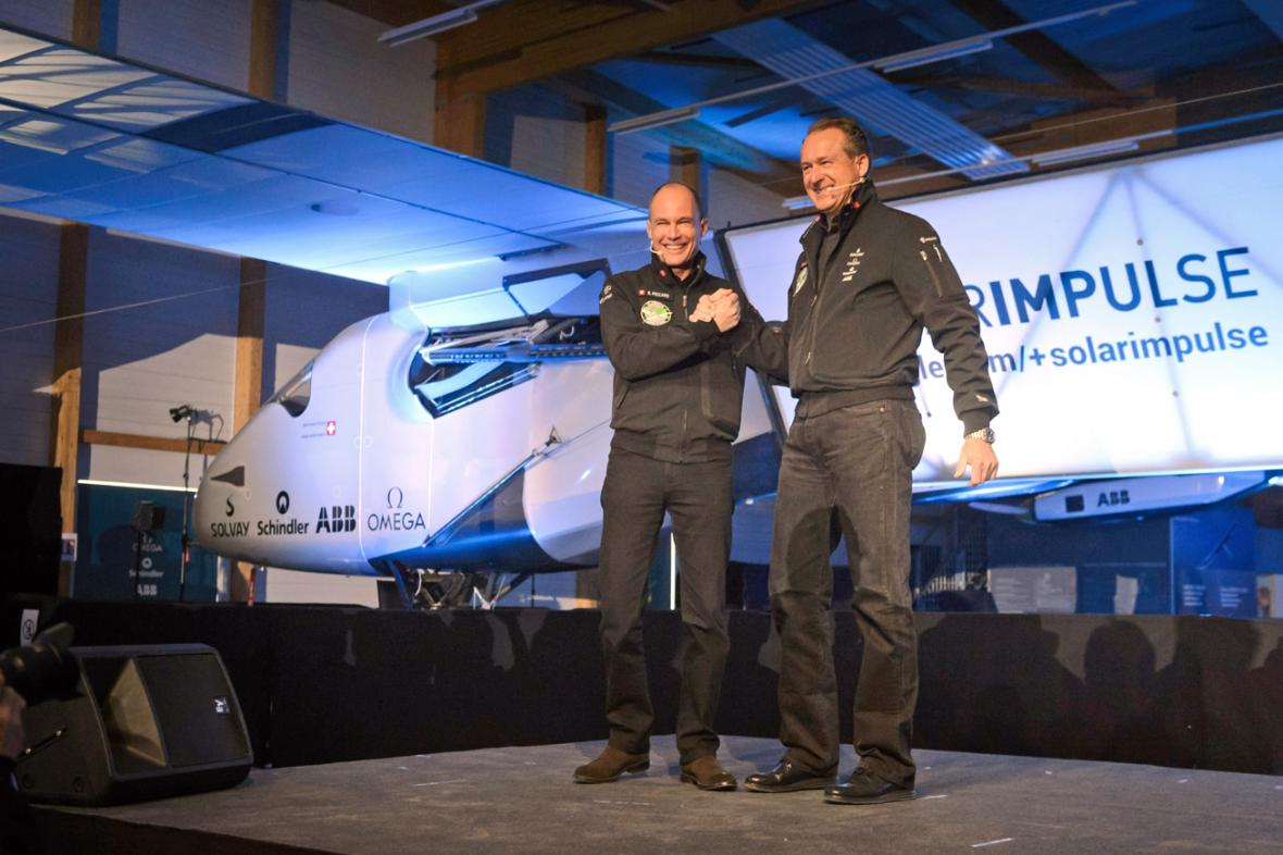 Bertrand Piccard a André Borschberg představili Solar Impulse 2